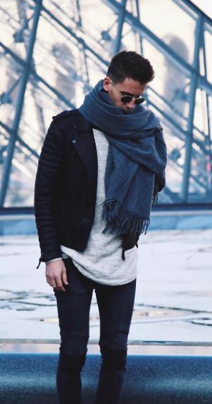 áo da phong cách với áo len mỏng